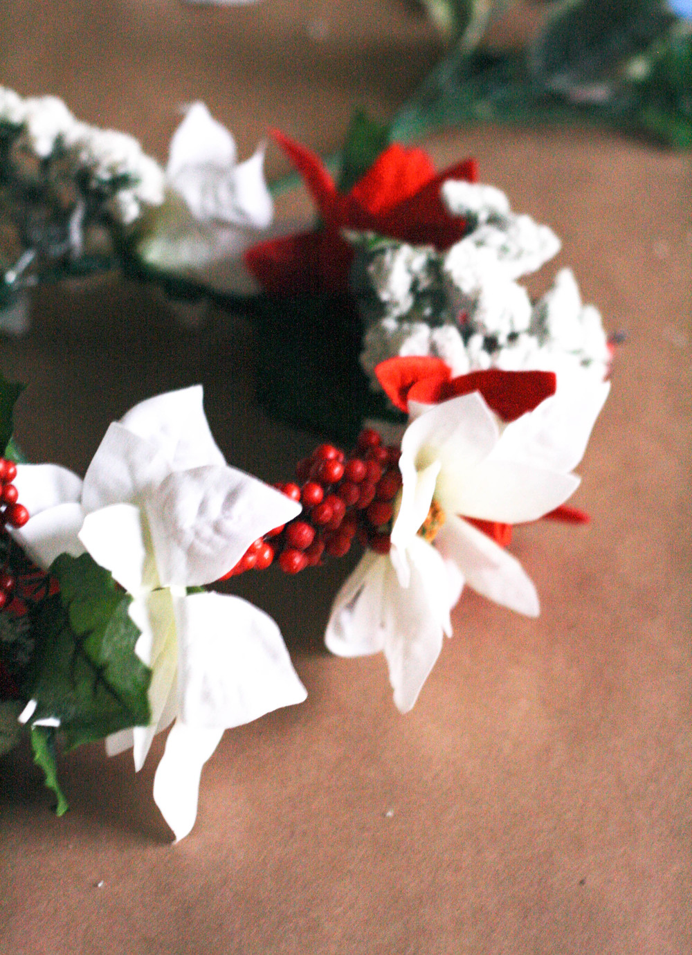 Diy holiday flower crown j frances been living under a rock and havent hopped on the flower crown train just yet well the holidays are the perfect excuse to get a little crafty and these izmirmasajfo