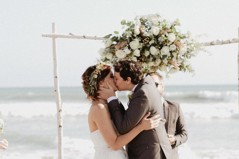 oceanside_airbnb_wedding-33.jpg