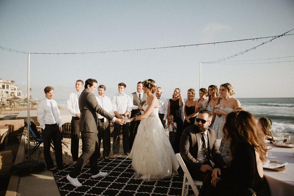 oceanside_airbnb_wedding-48.jpg