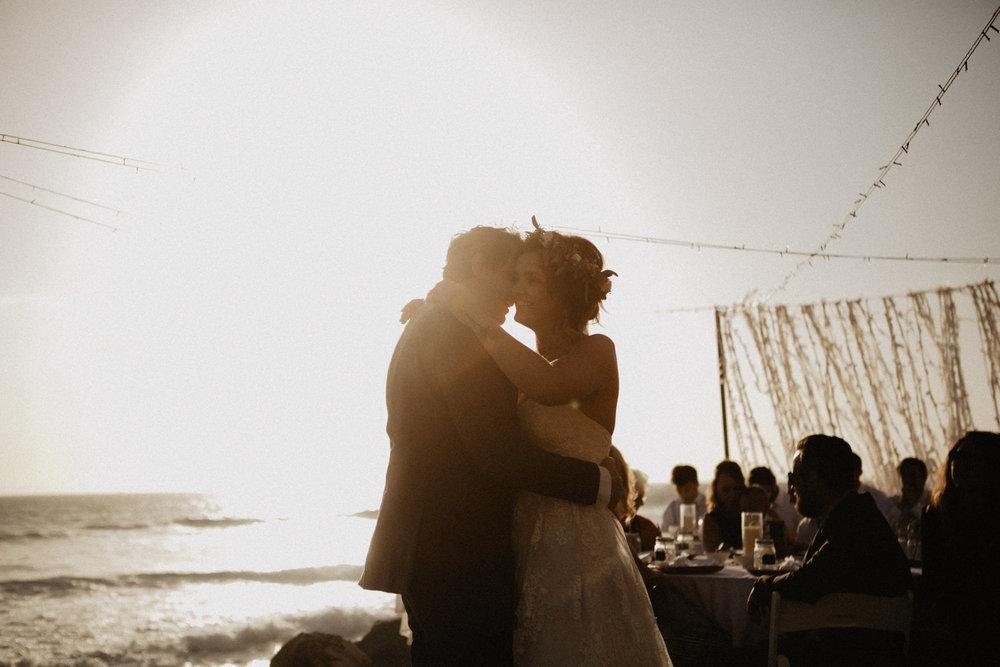 oceanside_airbnb_wedding-49.jpg