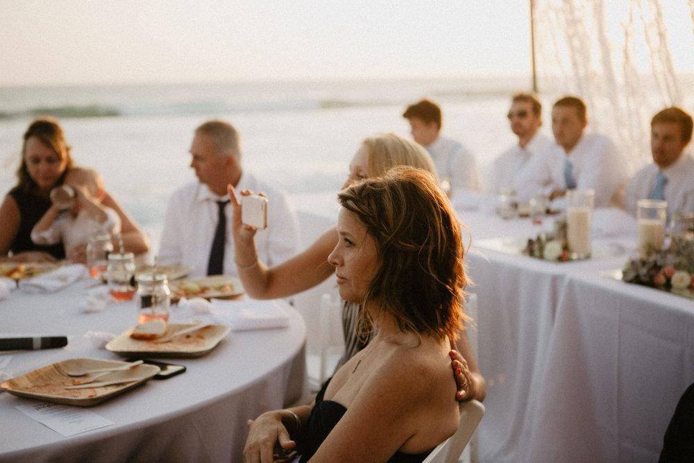 oceanside_airbnb_wedding-56.jpg