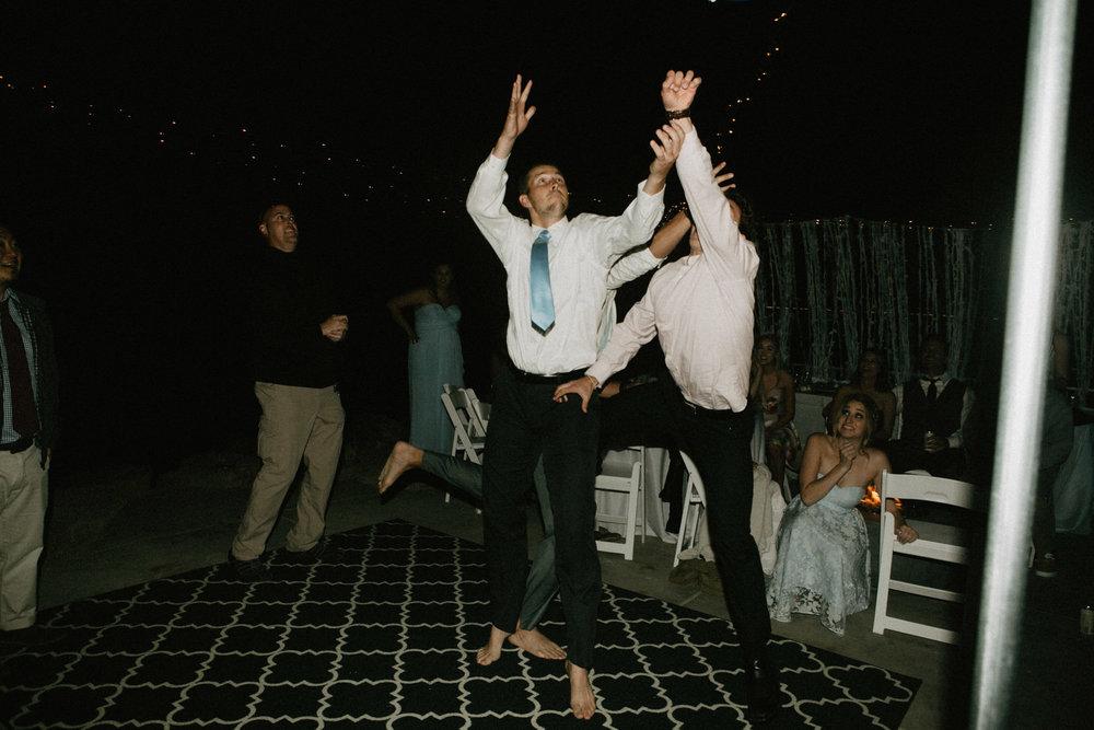 oceanside_airbnb_wedding-77.jpg
