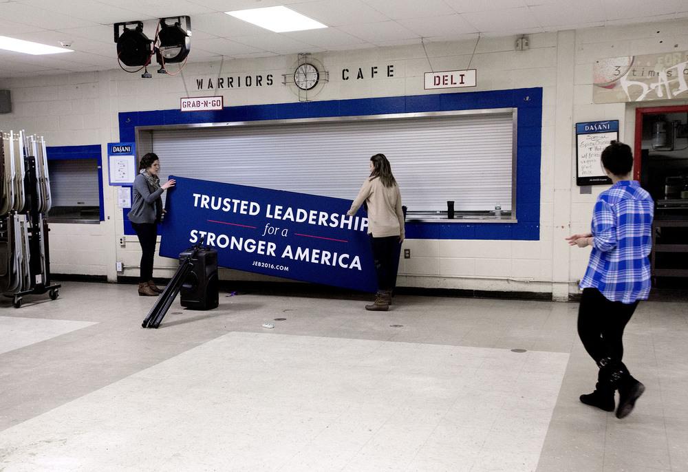 Efter att Jeb Bush hållt tal i en skola i Salem, New Hampshire.7 februari, 2016. Foto: Thomas Nilsson