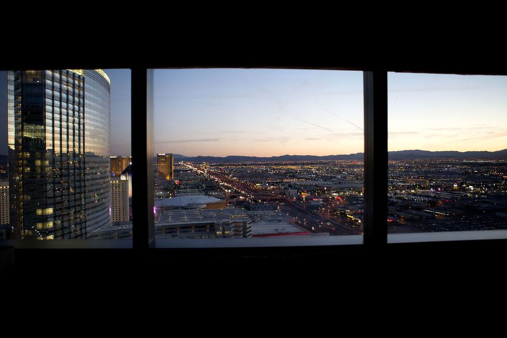 Utsikt från mitt hotellrum på Vdara. Till vänster syns The Aria Resort & Casino som också är en del av det nybyggda CityCenter-området.