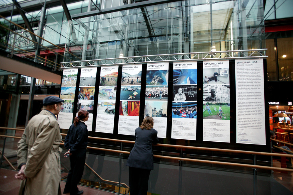 September 2004.   Uppdrag: USA (Assignment: USA) - Exhibition at Gothenburg Central Station.