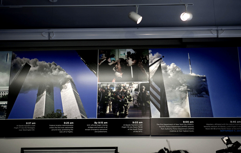 Permanent since September 2009: Three of Thomas' pictures from the terrorattacks on display at the 9/11 Memorial Preview Site in New York. Two of them showing in this photo (the two large ones).