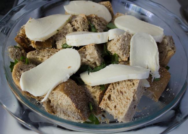 cheesy-bread-basil-casserole4