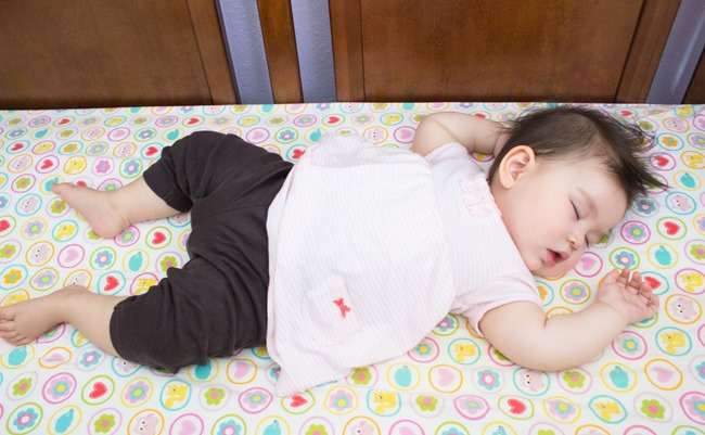 selah-napping-9months