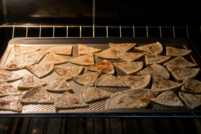 healthy-baked-cinnamon-tortilla-chips3.jpg