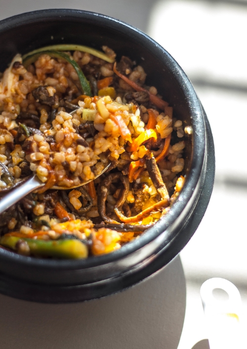 eating-bibimbap-in-the-sunlight.jpg
