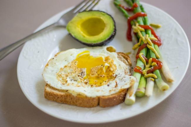avocado-egg-asparagus.jpg