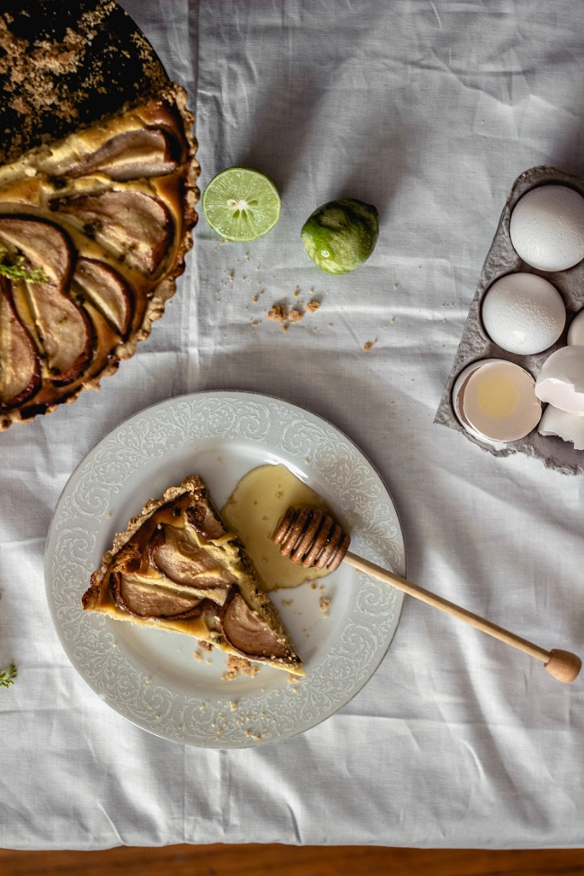 Honey Pear Tart with pastry cream and oat crust {gluten free} | fit for the soul