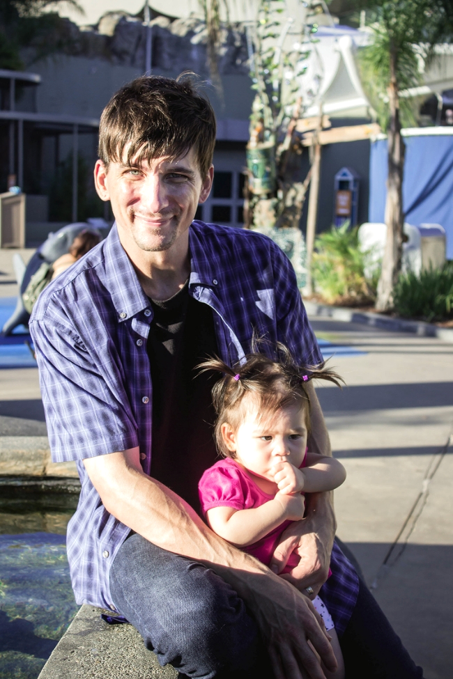 Selah and daddy at Long Beach Aquarium | fit for the soul