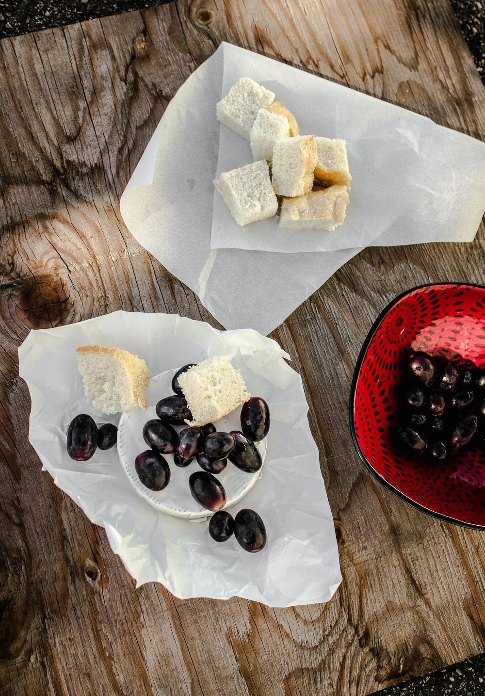 Brie bake with grapes and sourdough appetizer | fit for the soul