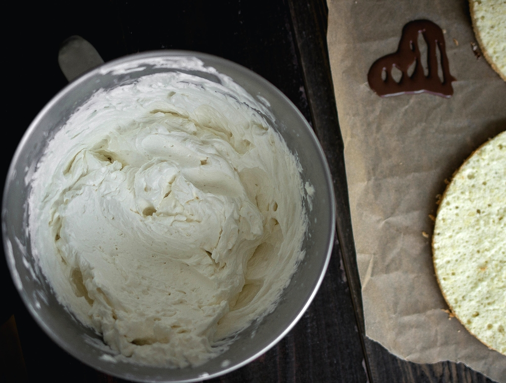 How to make the best whipped cream-saeng cream like the bakeries--step by step