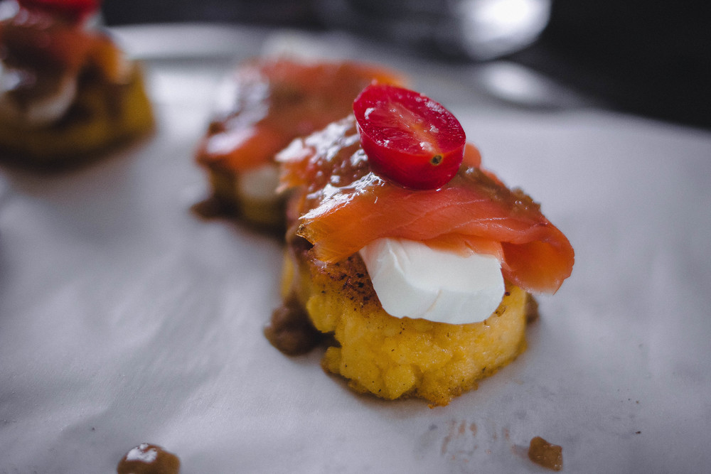 Fouth of July Recipe: Polenta Pan Fried in Butter with Smoked Salmon, Cream Cheese and Lemongrass Sauce | by fit for the soul