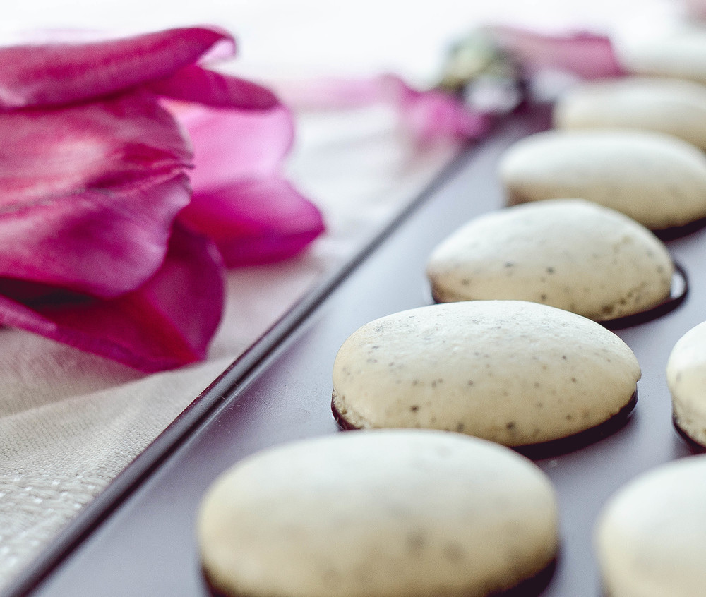chai tea macarons with coconut filling, via Uncommon Goods | by fit for the soul