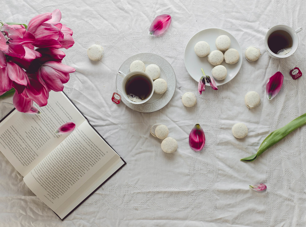 how to make chai tea with coconut filling macarons--via Uncommon Goods Online Shop | by fit for the soul