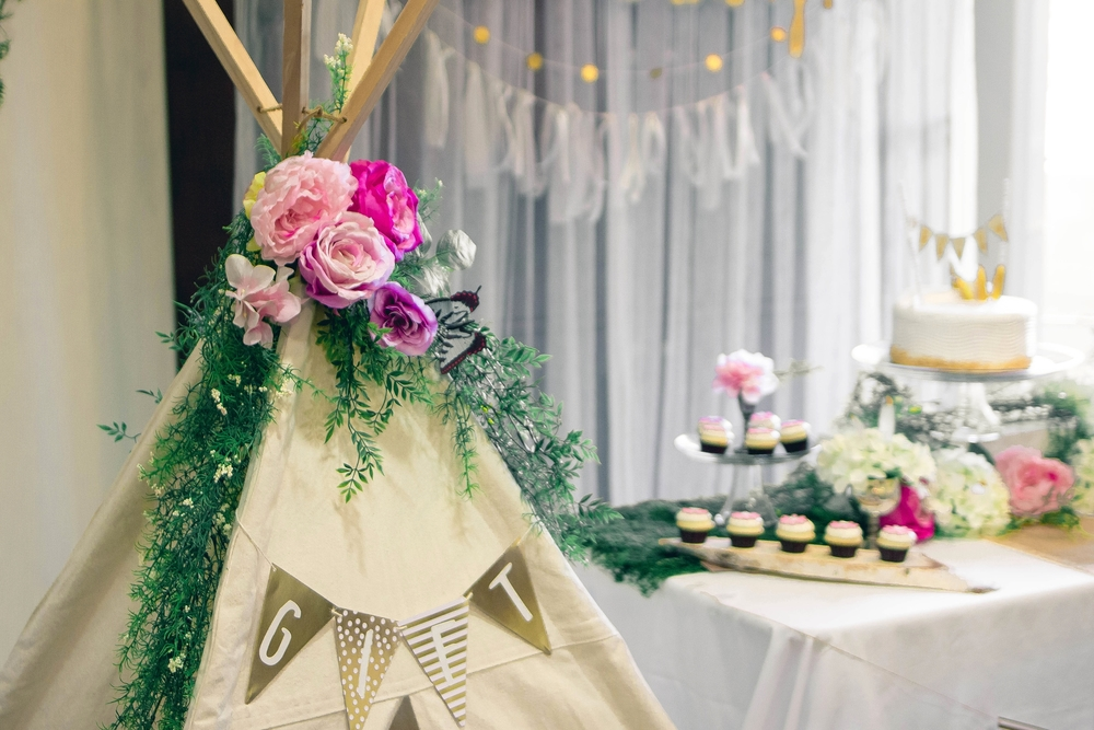 A boho chic theme for a baby shower party, all details diy | from scratch, mostly