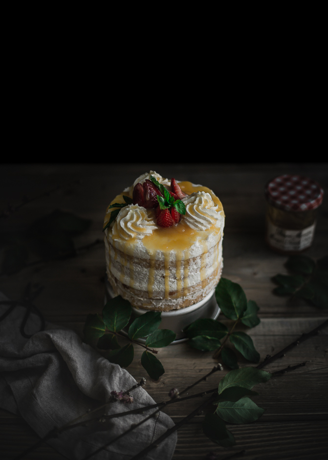 Saeng Cream cake with fruity glaze | from scratch, mostly blog