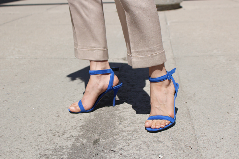 WoahStyle.com | street style in Stella McCartney pants and Alexander Wang Antonia heels