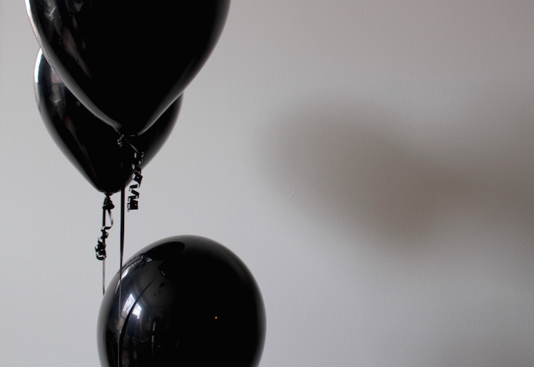 WoahStyle.com | Happy New Year, Black balloons