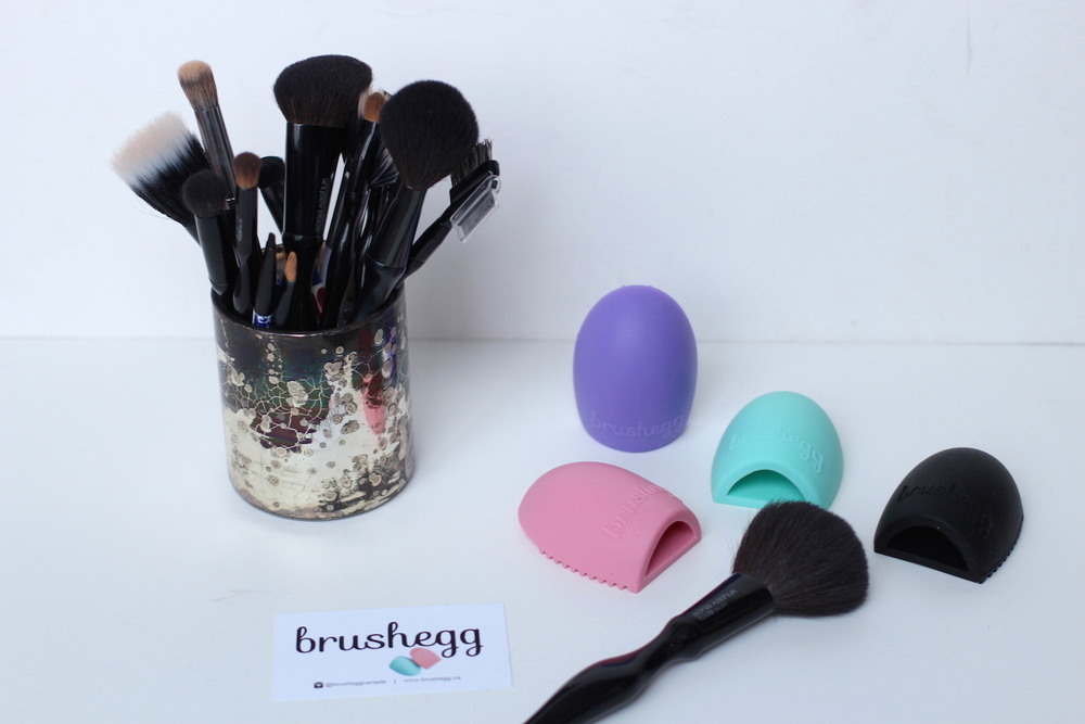 WoahStyle.com | Are you dirty makeup brushes giving you acne?!