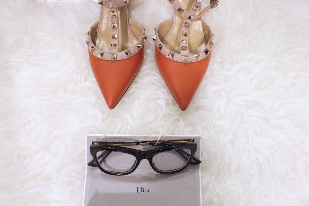 WoahStyle.com | Dior glasses, orange Valentino rockstuds, Tom Ford lipstick in Wild Ginger