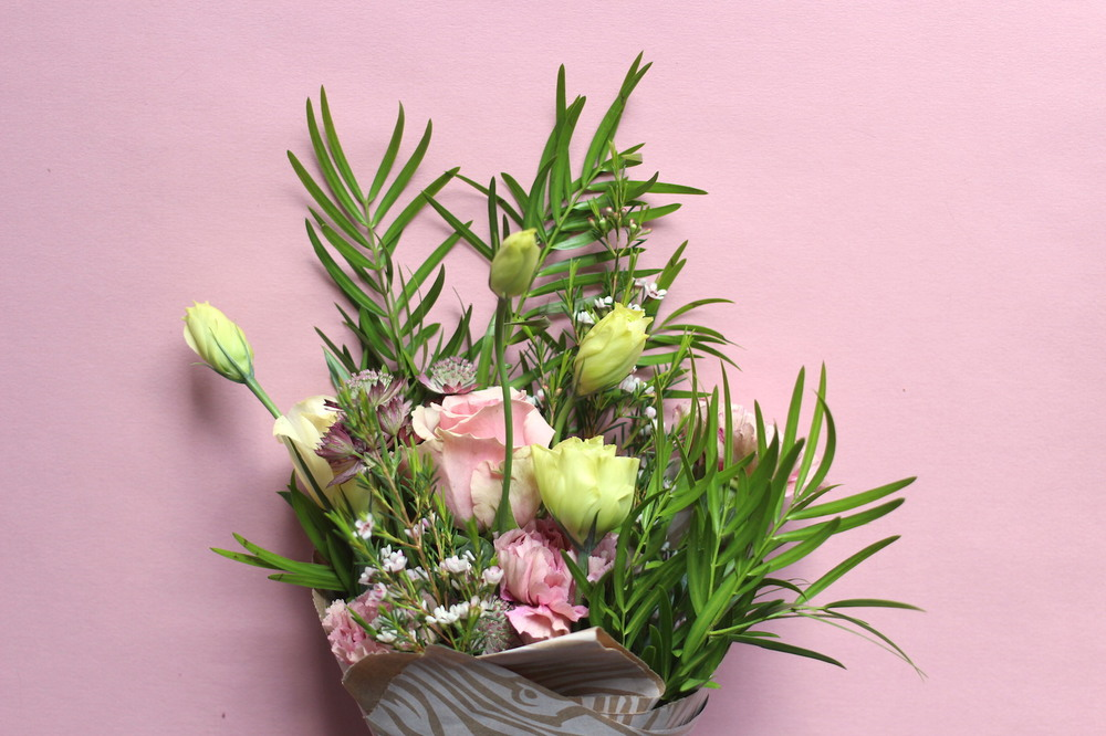 WoahStyle.com | Crown Flora floral arrangement
