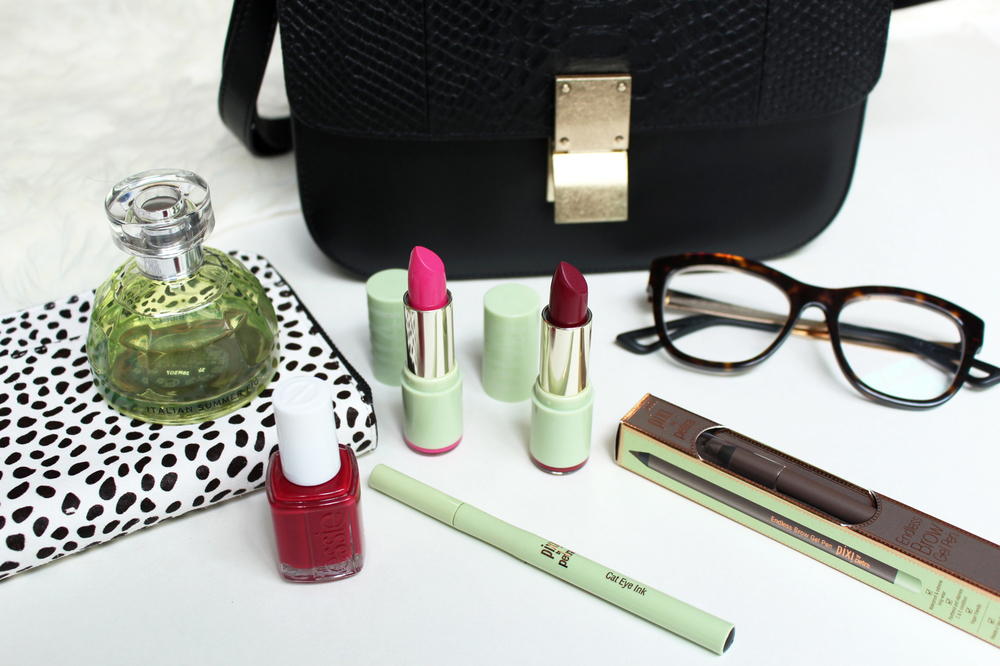 WoahStyle.com_Bag Spill_Whats In My Bag_JCOS STUDIOS box bag_Celine dupe_TheBodyShop Italian Summer Fig perfum_StatusAnxietyWallet_Pixi Beauty Fall2015_Essie red nail polish_FishnetStockings_Dior_eyewear_BeautyPost_Accessories_handbag_purse_1734.jpg