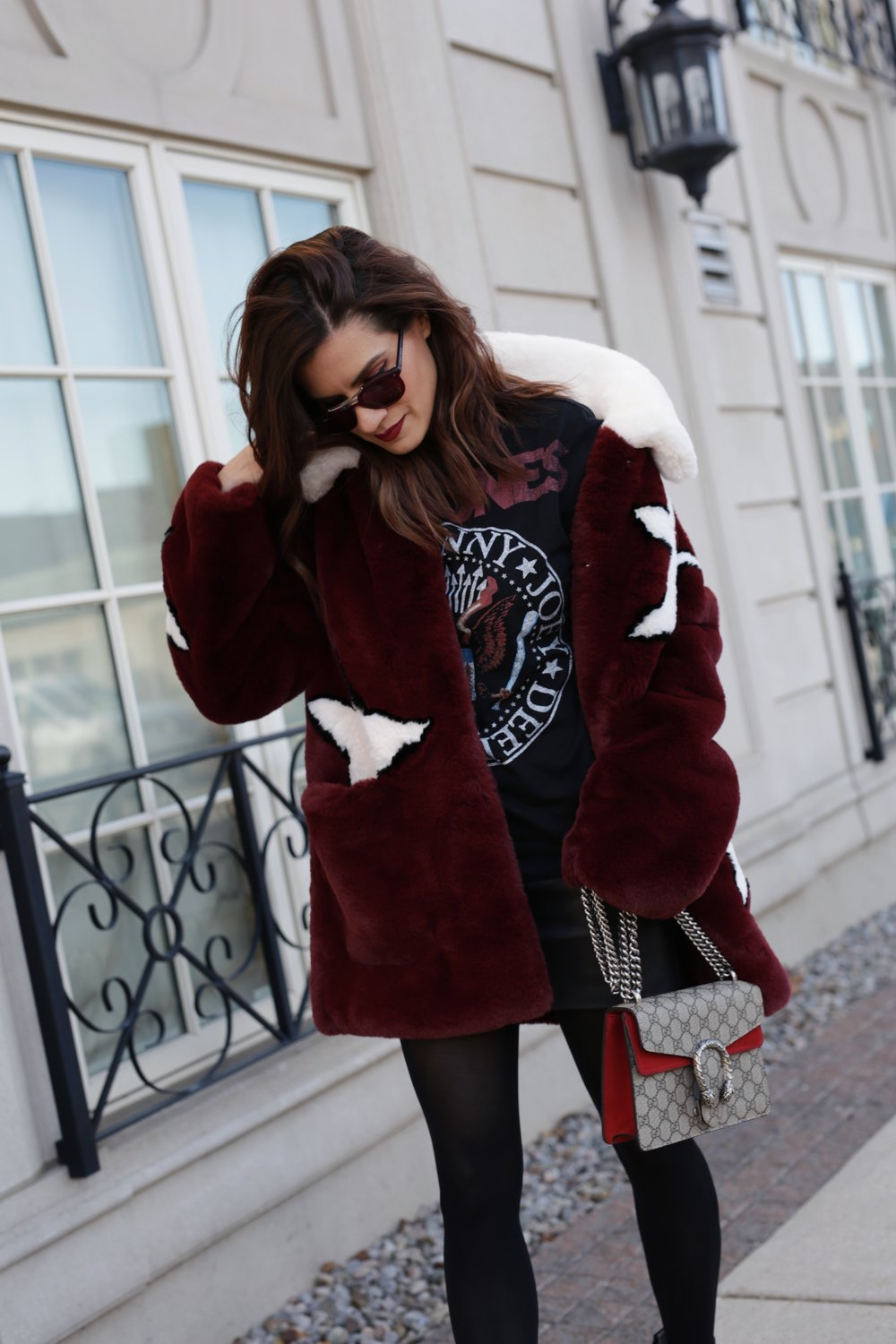 Guess star faux fur coat, Kate Bosworth x Matisse Charlotte star studded boots, Gucci Dionysus, Mackage leather skirt, Ramones graphic tshirt, street style - woahstyle.com_7146.JPG