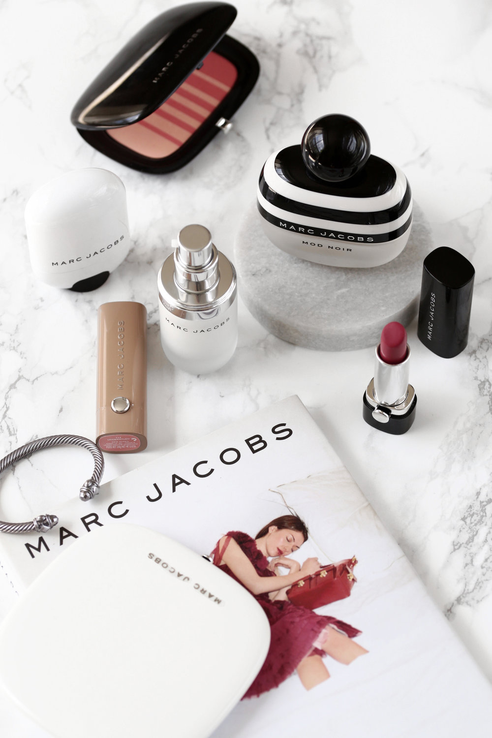 marc jacobs beauty coconut primer, highlight, limited edition bronzer brush, bronzer - review_7190.jpg
