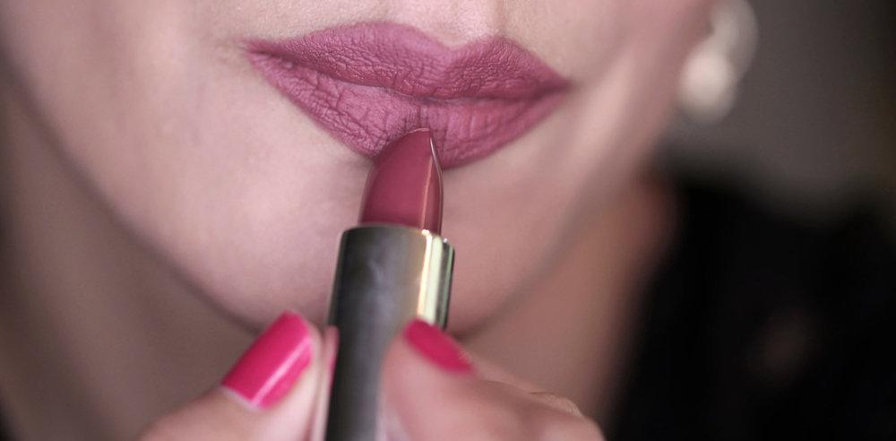 Full Face using Kat Von D Lolita - eyeshadow + blush + lipstick - swatches_0394.JPG