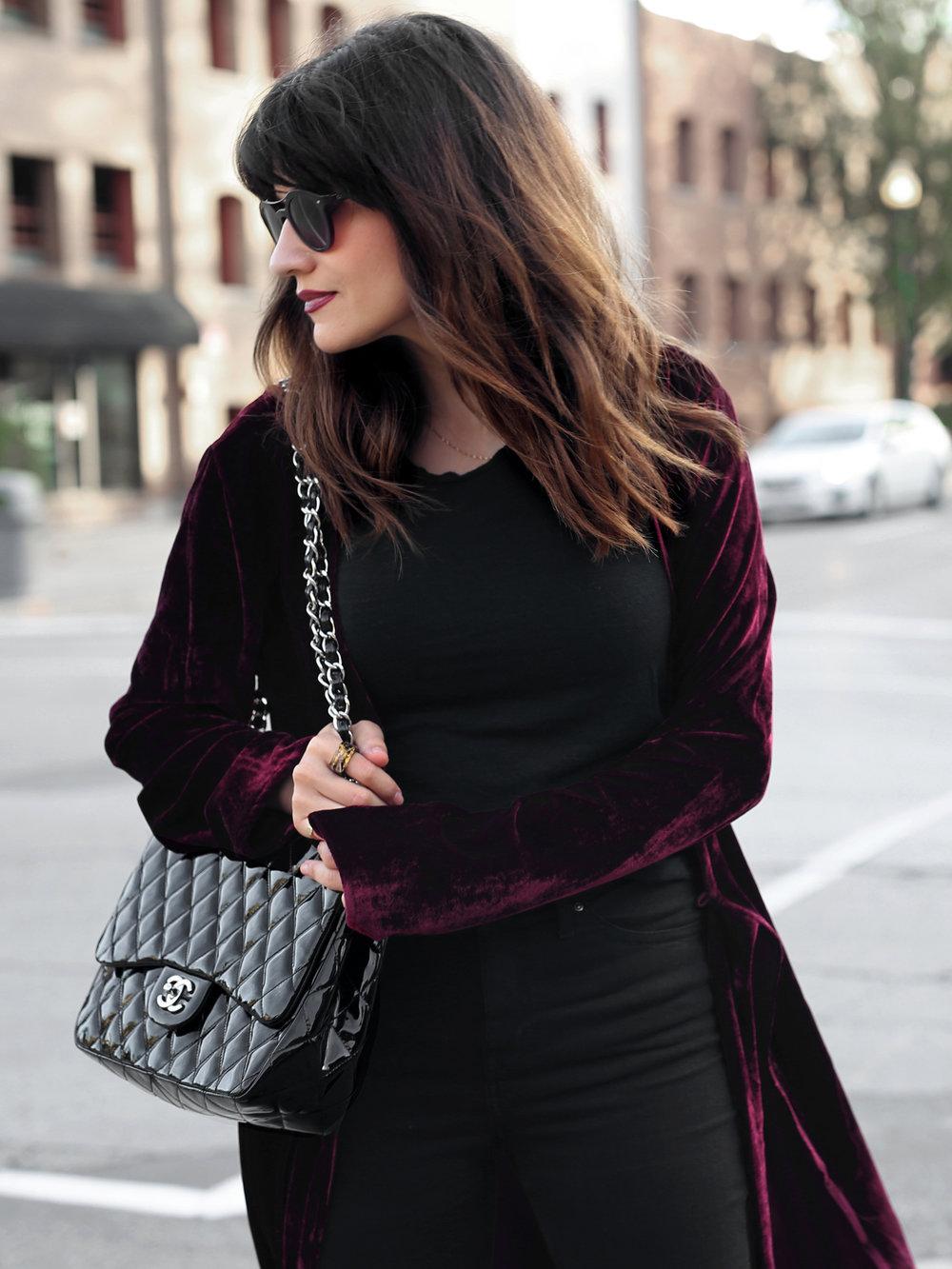 velvet duster coat street style - chanel patent leather jumbo bag, saint laurent platform boots_2470.JPG