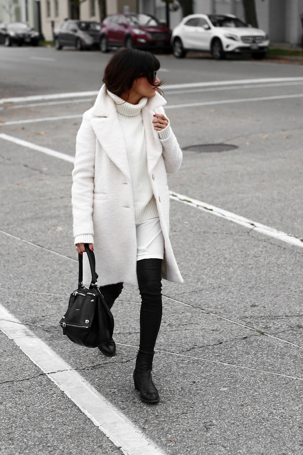Winter White oversized knit, coat, leather leggings, Givenchy leopard print studded boots and Givenchy Pandora bag street style_2699.jpg