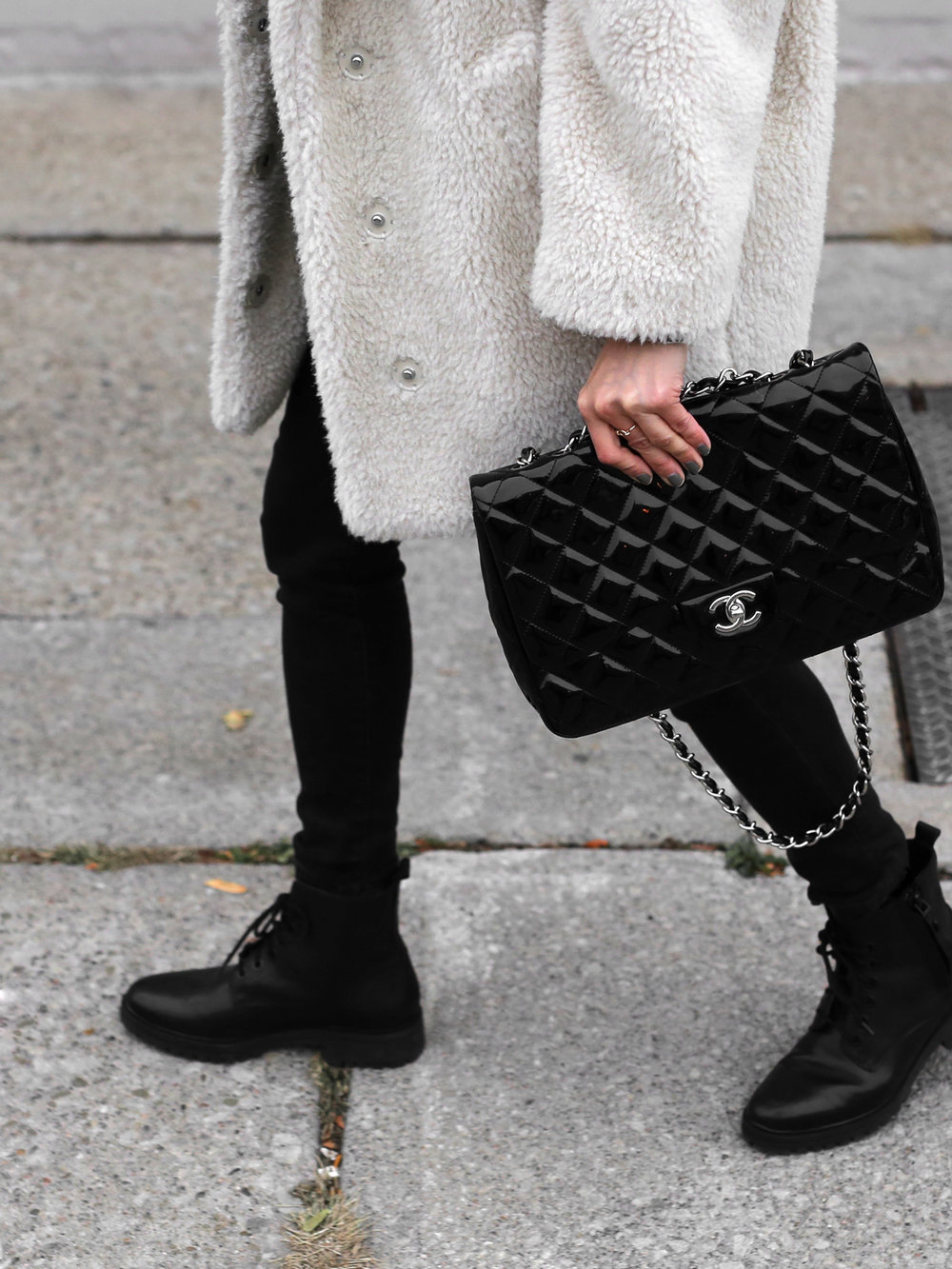 Fuzzy Topshop coat, striped top, black skinny jeans and patent leather Chanel jumbo bag street style - rocker chic - parisian style - french style_2927.jpg