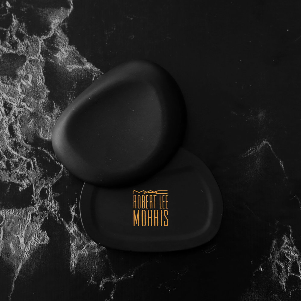 MAC x Robert Lee Morris makeup collection 2017 - limited edition pebble compact - beauty_5530.jpg