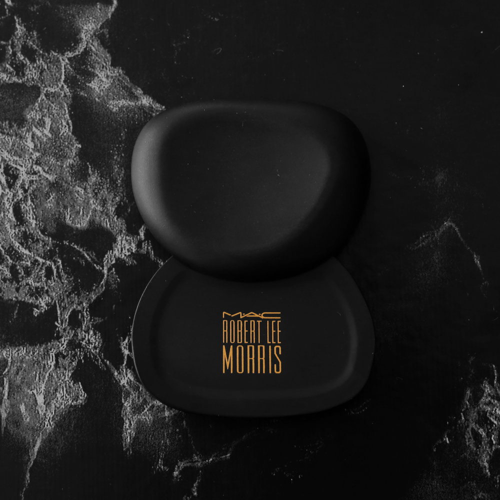 MAC x Robert Lee Morris makeup collection 2017 - limited edition pebble compact - beauty_5531.jpg