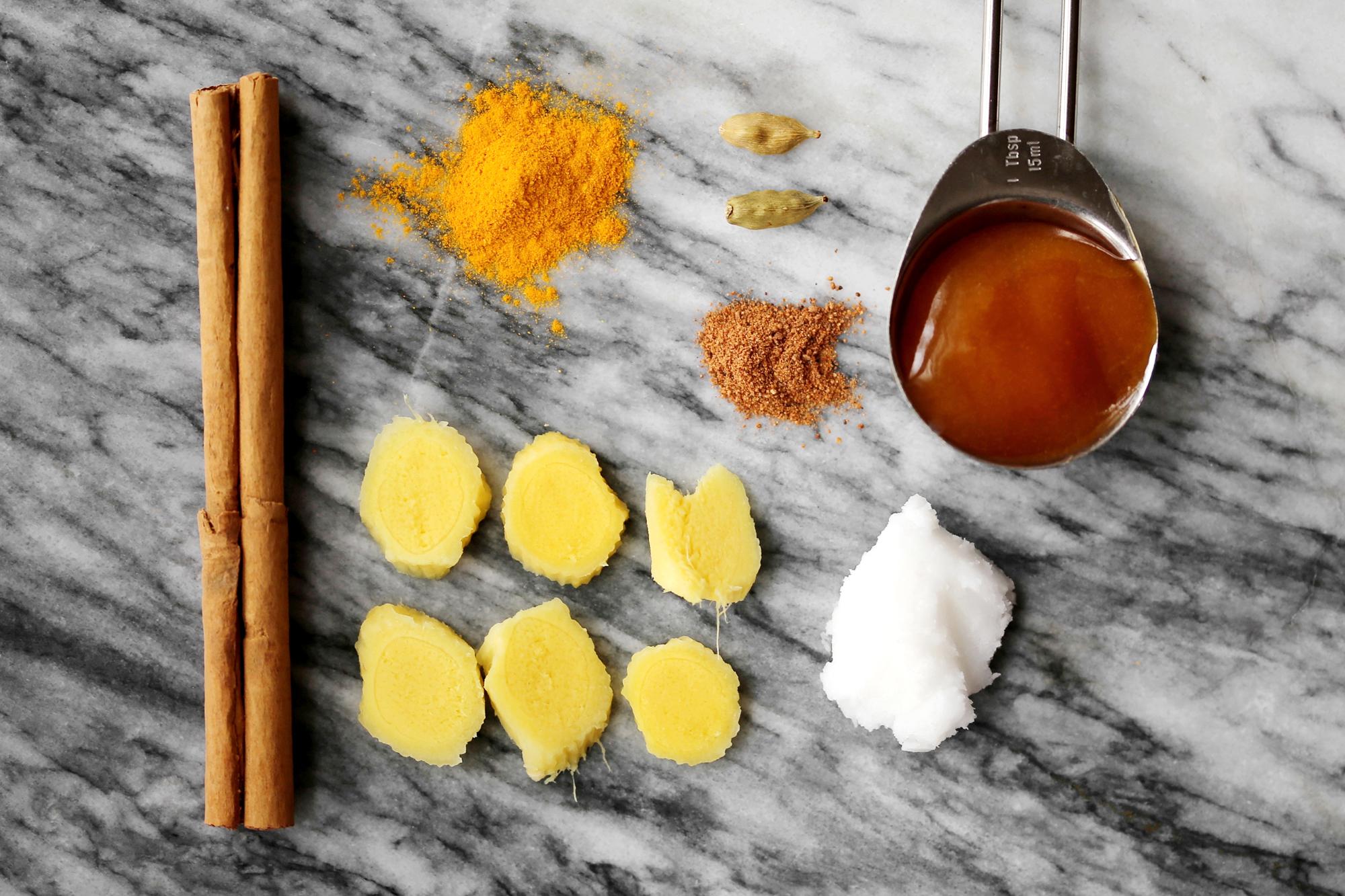 RECIPE: Ginger, Turmeric & Cardamom Latte with Manuka Honey