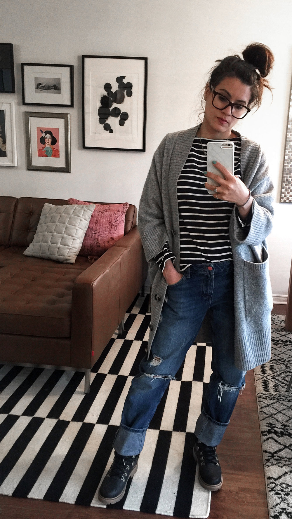 woahstyle.com - 365 outfits - day 09 spring 2018 - zara boyfriend jeans, uniqlo stired top, grey cardigan, toms boots, nathalie martin.jpg