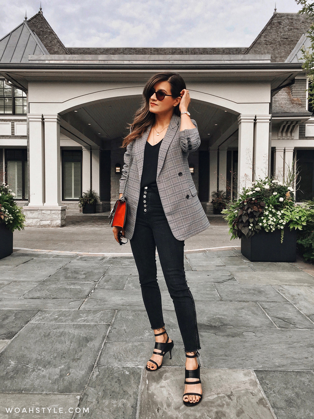 Wearing Zara jeans from SS18 (probably the last I'll buy from the brand), A Nordstrom blazer, Alexander Wang sandals from 5 years ago, a Reitmans cami, and Gucci bag.