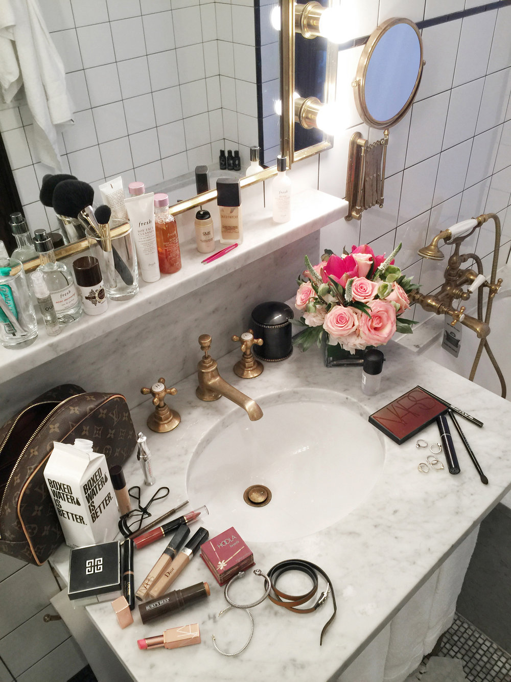 Bathroom at the Ludlow Hotel NY with Fresh Beauty, photos by Nathalie Martin, woahstyle.com_0084.JPG