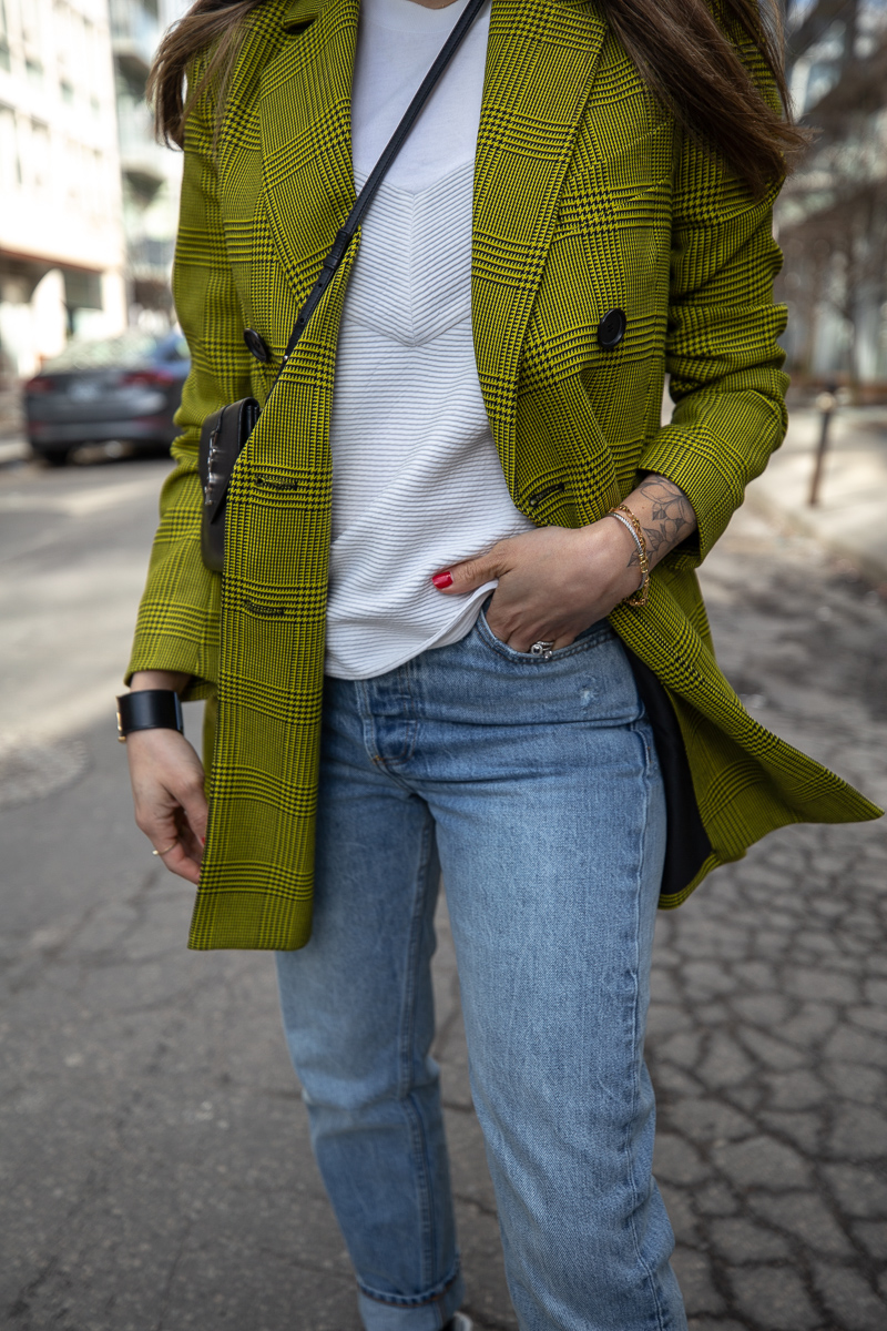 nathalie martin, robert rodriquez plaid blazer, 3.1 Phillip Lim top, Aritiza Denim Forum ex boyfriend jeans, Saint Laurent Wallet on a string crossbody and high top canvas sneakers, street style - woahstyle.com_7634.jpg