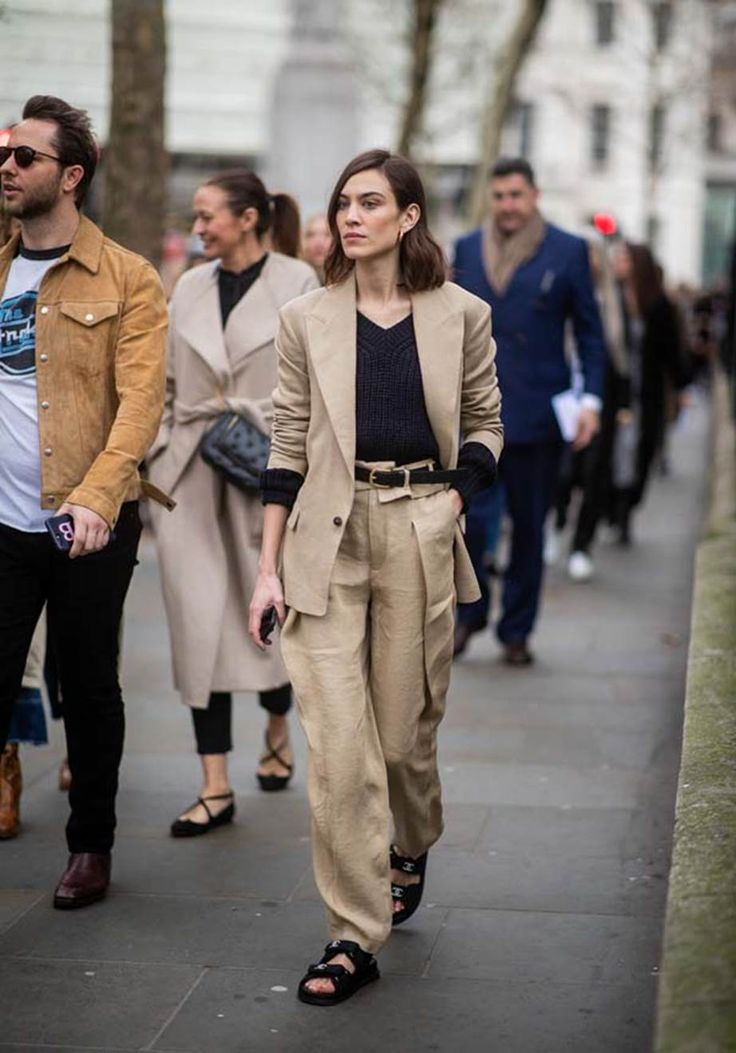 How to wear head-to-toe beige, one of 2019's biggest fashion trends, seen at Dior, Fendi and Burberry—but also touted by the street style set at Paris Fashion Week.jpeg