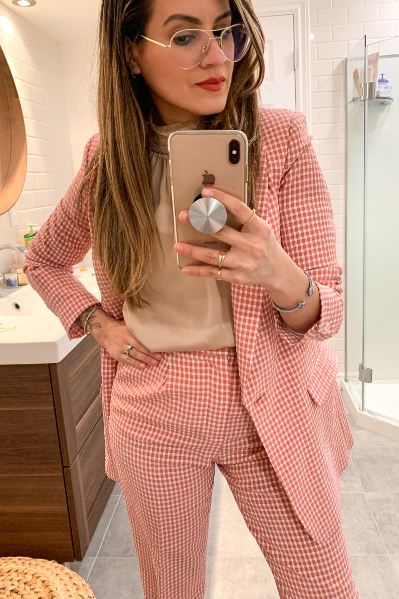 nathalie-martin,-pink-gingham-suit-for-spring-2019-with-metallic-pink-gucci-loafers---woahstyle.com_6671.jpg