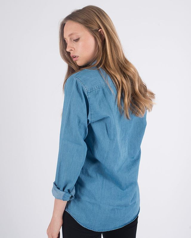 Chambray work shirt. Made from 100% organic cotton, hand finished in the UK. #sustainablefashion #ethicalfashion
