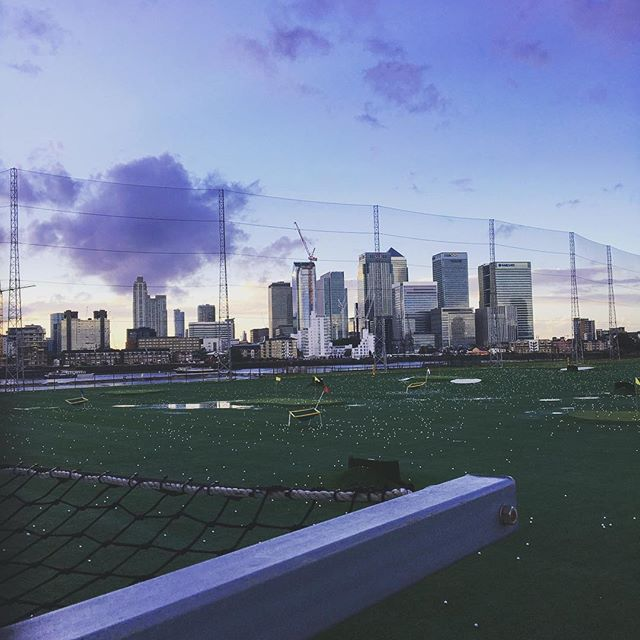 Striking on a Sunday #golf #London #skyline