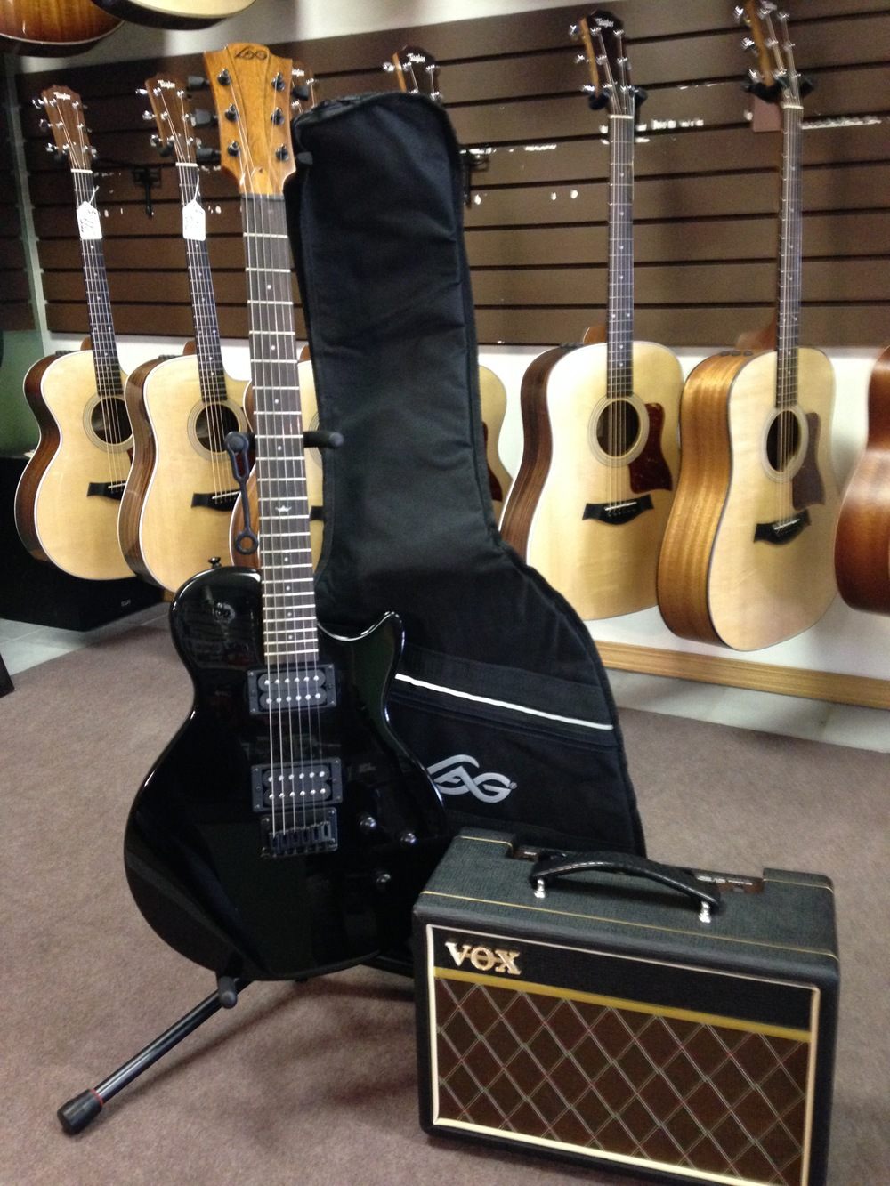 I66 Package - $300 w/ Vox amp, gigbag, tuner, strap, and picks.
