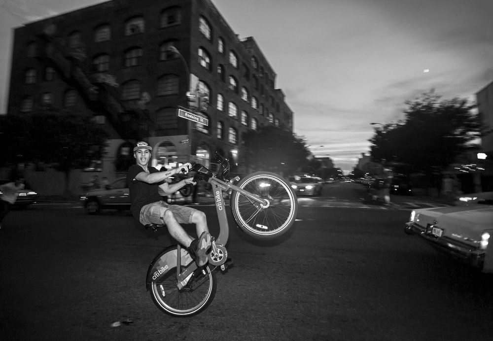 fb.bw.Citibike Stunts.319A3629.jpg