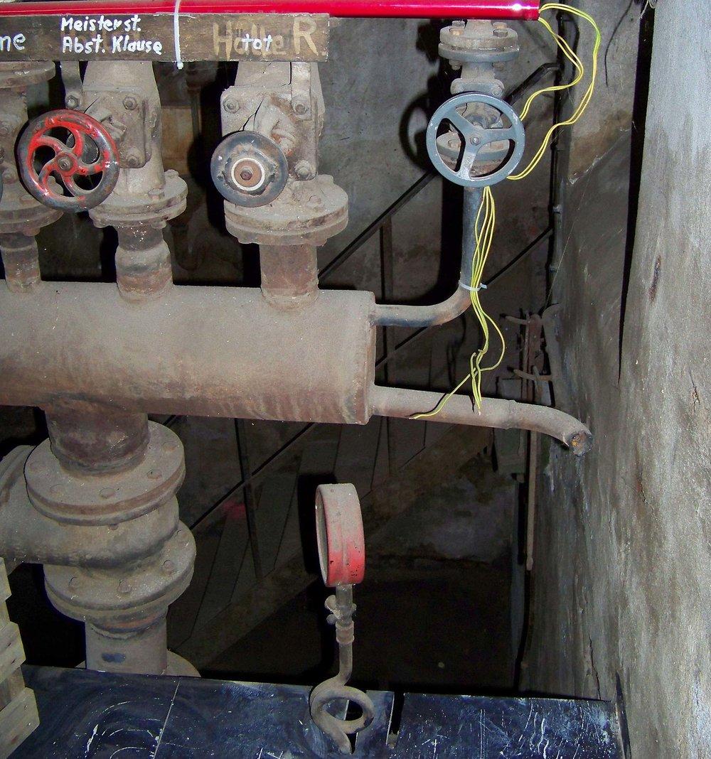 gas 2 100_5480SHARP.jpg
